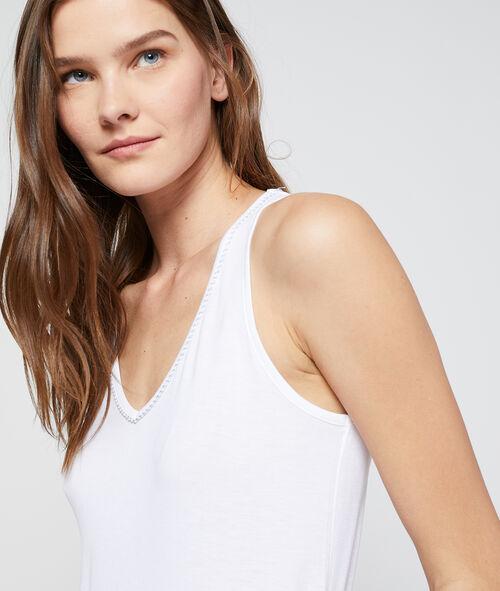 Camiseta cuello en V borde metalizado