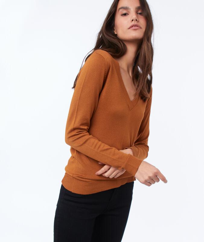 Jersey liso escote en v naranja.