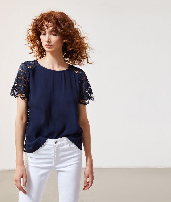 Blusa con mangas de encaje