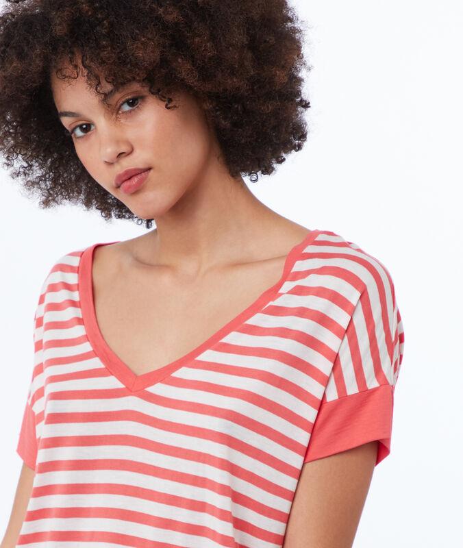 Camiseta escote en v estampado de rayas melocotón.