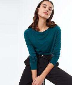 Jersey fino cuello barco verde.