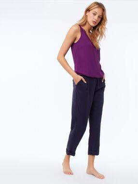 Top algodón con detalles guipur violeta.