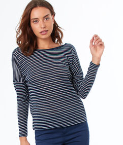 Camiseta 3/4 estampado de rayas azul marino.