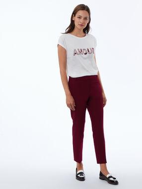Camiseta bordada con lentejuelas crudo.