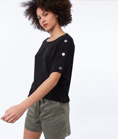 Top avec boutons sur les épaules noir.