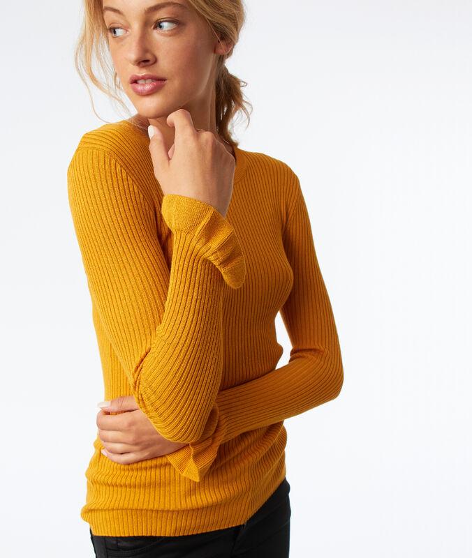 Jersey cuello redondo mangas con volante amarillo.