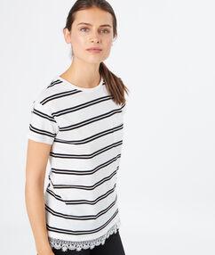 T-shirt rayé en coton et guipures blanc.