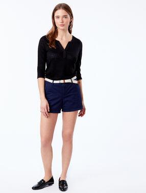Pantalón corto con cinturón 100% algodón bio azul marino.