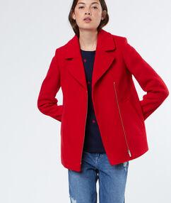 Manteau manches 3/4 en laine mélangée rouge.