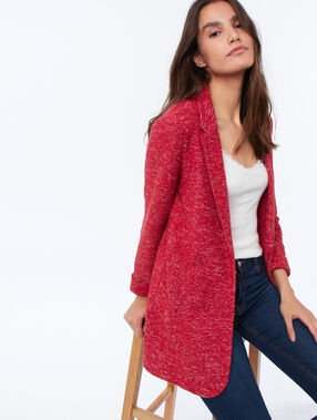 Veste col tailleur rouge carmin.