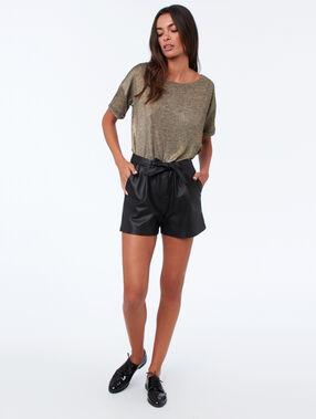 Pantalón corto efecto piel negro.