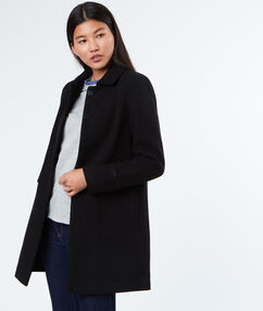 Manteau 3/4 noir.