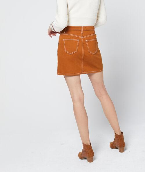 Falda con bolsillos de costura visible
