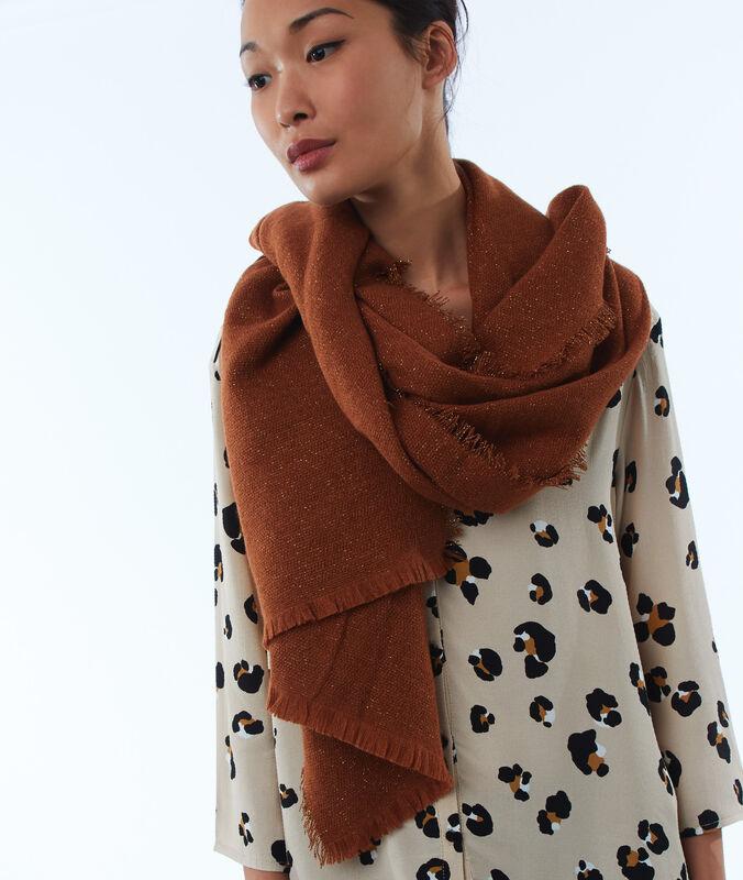 Bufanda fibras metalizadas marrón.