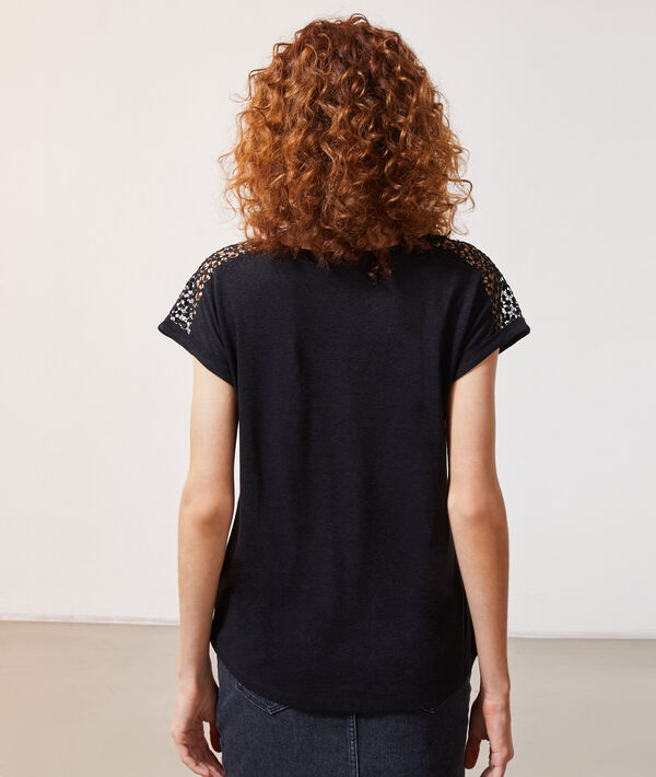 Camiseta detalles de encaje
