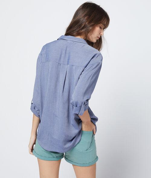 Camisa texturizada cuello en V