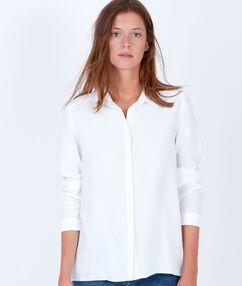 Camisa de manga larga blanco.