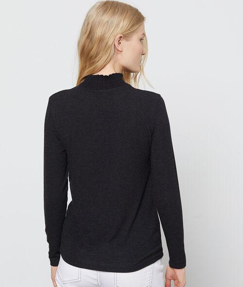 Camiseta de punto de cuello cisne
