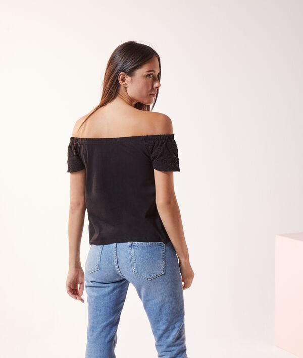 T-shirt guipure épaules dénudées
