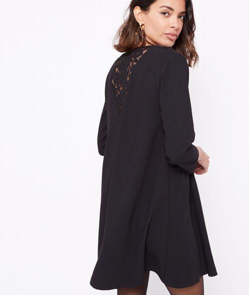 Vestido espalda motivos de encaje