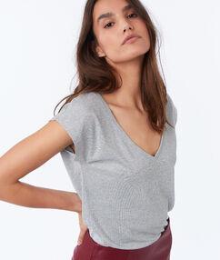 T-shirt col v à fil métallisé gris chine clair.