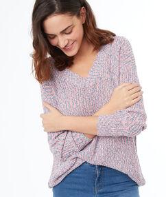 Jersey largo cuello en v rosa pálido.
