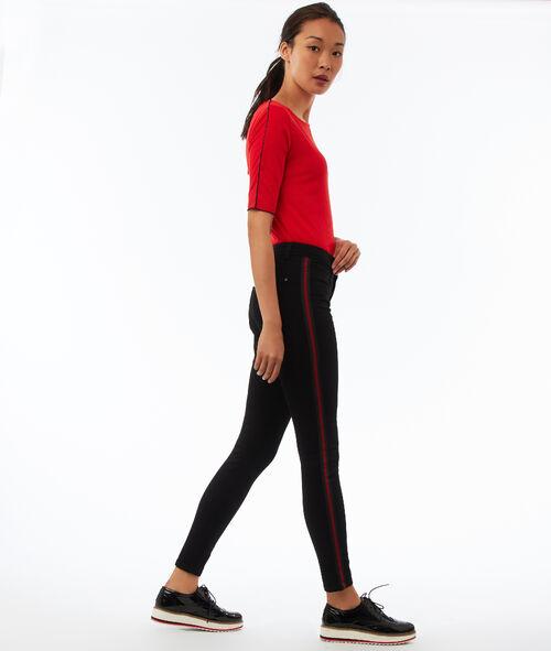 Pantalón pitillo con franja lateral
