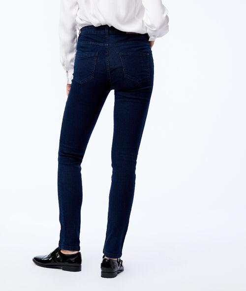 Pantalón vaquero estrecho