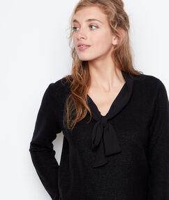 Jersey escote en v abertura espalda negro.