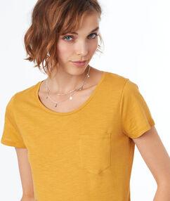 T-shirt col rond en coton ocre.