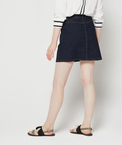 Falda recta con bolsillos delanteros