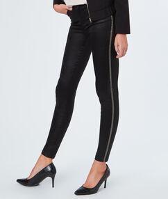 Pantalon à liseré chaînes noir.