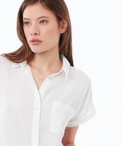 Camisa lisa manga corta tencel crudo.