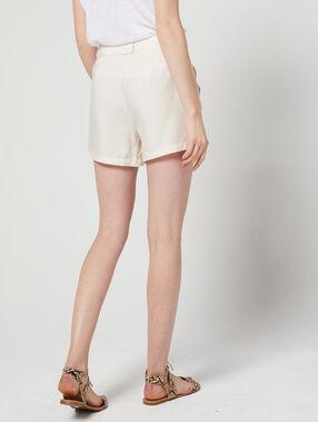 Pantalón corto con cinturón de tencel c.beige.