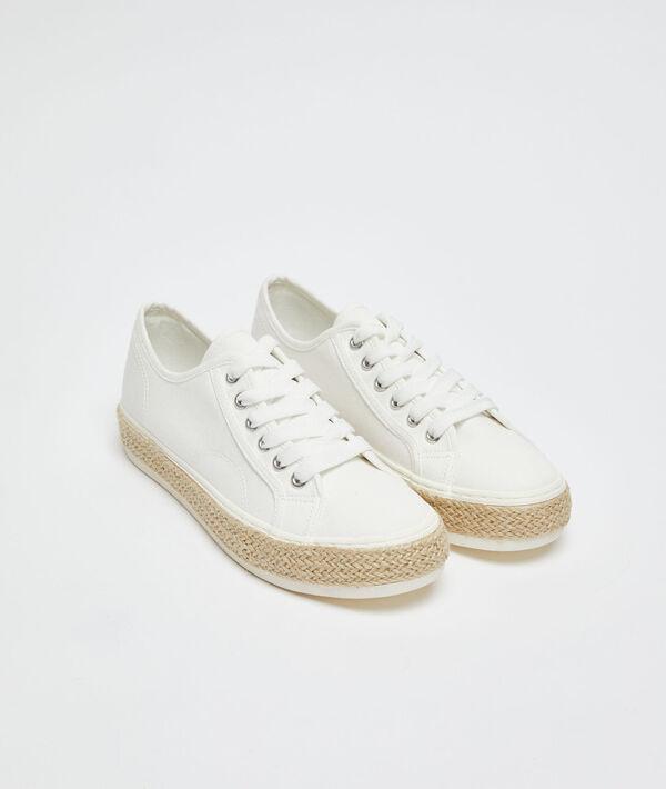 Zapatillas efecto trenzado