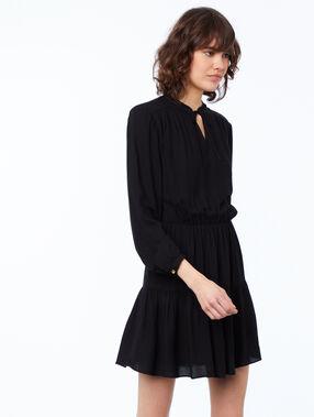 Vestido manga larga liso negro.