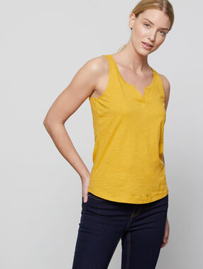 Camiseta escotada cuello tunecino c.curry.