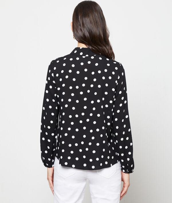Blusa cuello Claudine de lunares