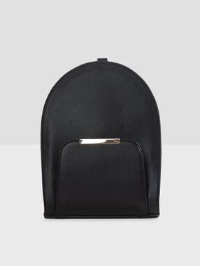 Bolso tipo mochila negro.