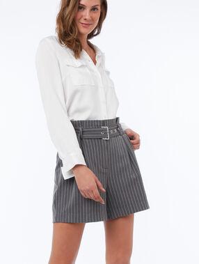 Pantalón corto talle alto con cinturón raya diplomática c.gris.