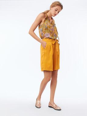 Blusa sin mangas estampado floral amarillo mimosa.