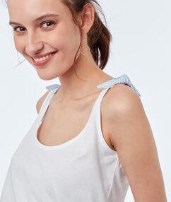 Top algodón cuello redondo blanco.