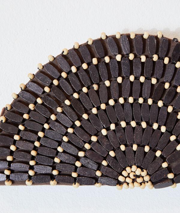 Bolso con perlas decorativas