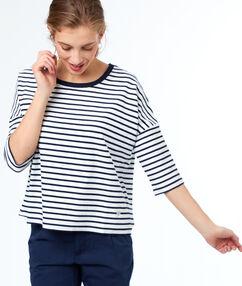 Sweat shirt à rayures bleu marine.