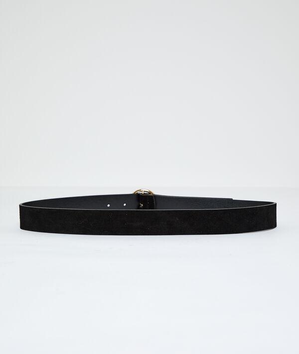 Cinturón forrado de cuero con hebilla redonda