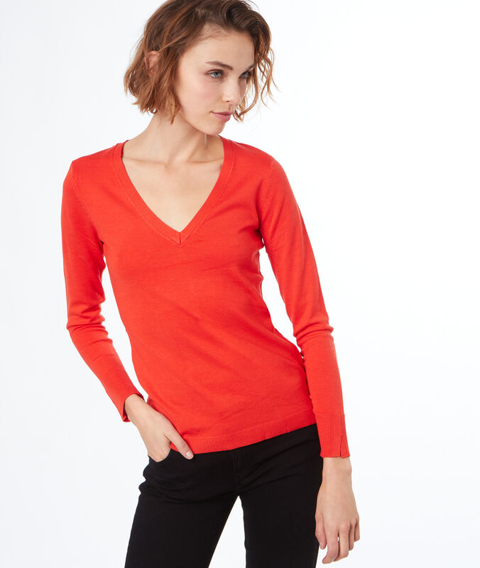 Jersey fino escote en v naranja.