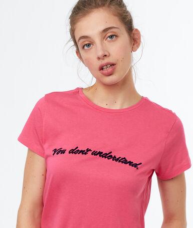Camiseta cuello redondo rosa.