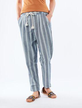 Pantalón corte zanahoria con cinturón c.denim.
