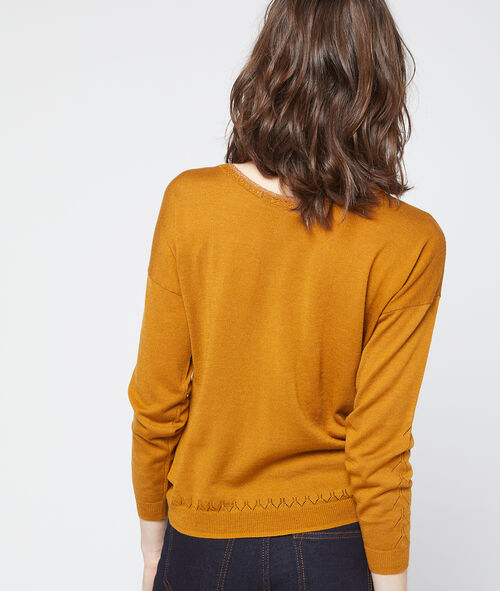 Suéter cuello en V punto fino