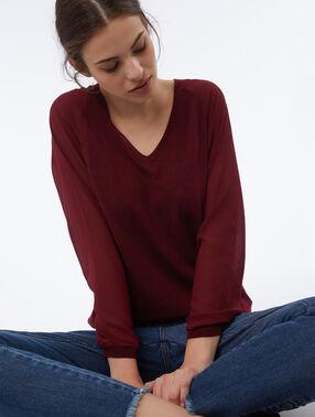 Jersey escote en v mangas con transparencias granate.